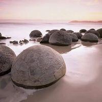 W&G Fotobehang Moeraki Boulders 00285
